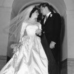 Vende-se vestido de noiva de Elizabeth Taylor